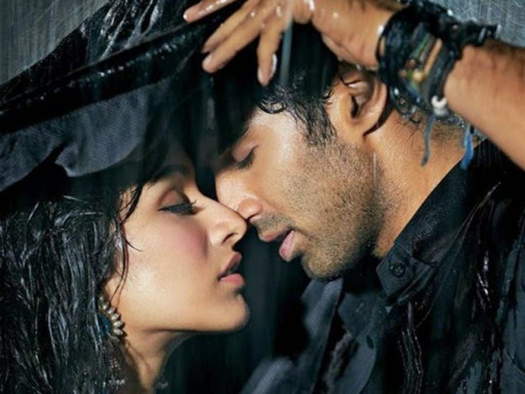 Aashiqui 2 Romantic Poster - Aditya Roy Kapur, Shraddha Kapoor (Movie Dialogues Status)
