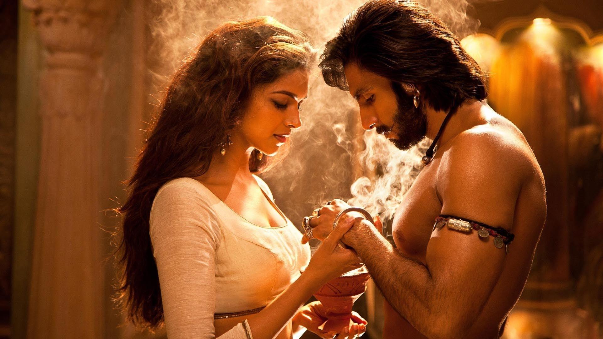 Deepika And Ranveer Romance Scene In Ram Leela Full HD Poster Movie Clip
