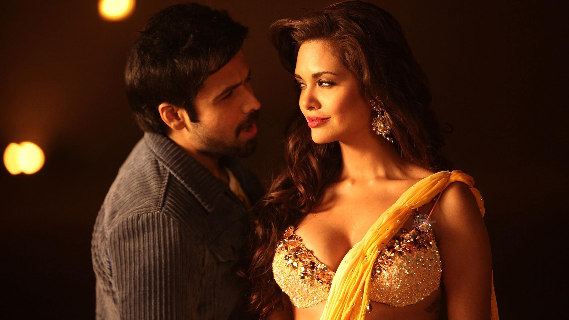 Jannat 2 Dialogues - Movie Still - Romantic Emraan Hashmi and Esha Gupta