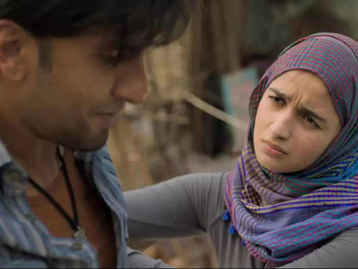 Gully Boy Clips - Alia Bhatt Cutest Look